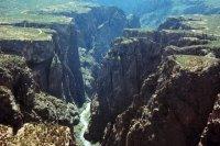 Black Canyon (Hẻm núi đen)